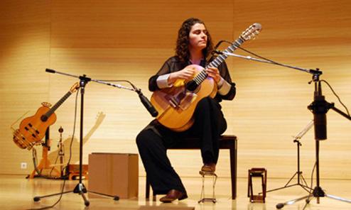 Smaro Gregoriadou Plays the Instruments of George Kertsopoulos