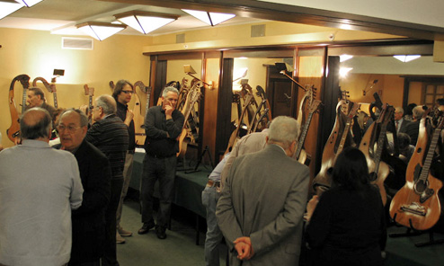 In Search of Genoese Harp Guitars, Part 13: Genoa's First Harp Guitar Exhibit