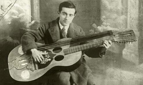 Michele Piromalli and the Titan-Guitar