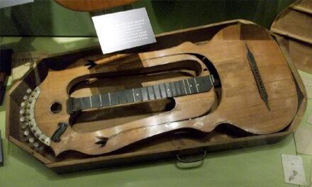 Martin's Dubetz Harp Guitar