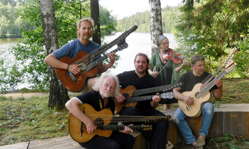 Modern Schrammelgitarre Players are Gathering