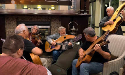 Harp Guitar Gathering 13: Friday Night Banquet and Open Mic